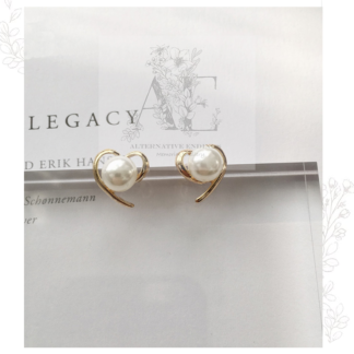 Gold Heart Pearl Earrings